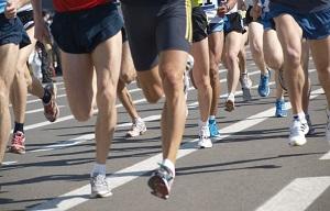 Conseil pour courir : unu bon échauffement est primordial pour réussir ses compétitions. © Dollarphoto