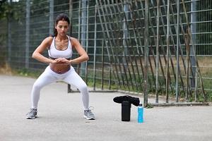 Des exercices simples peuvent compléter votre entrainement trail. © Dollarphoto
