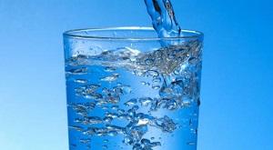 nutrition sportive et eau-verre